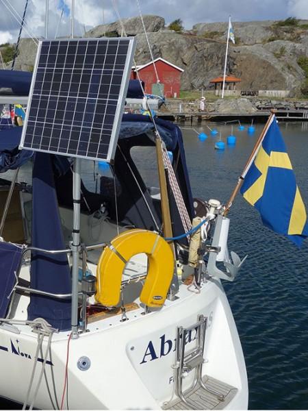 Drehbarer Mast für Solarmodule I outmar.com