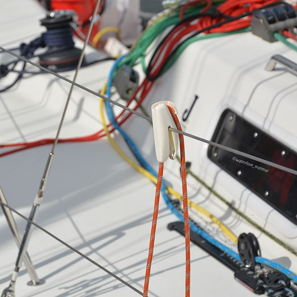 Fend-Fix Fenderhalter auf Relingsdraht I outmar.com